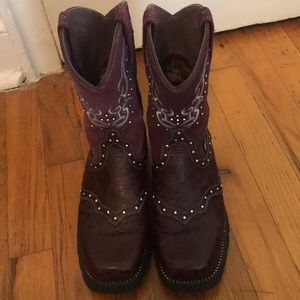 7.5 Justin Boots